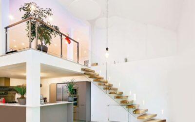 Ces escaliers à la pointe de la tendance font souffler un vent de nouveauté sur les intérieurs !
