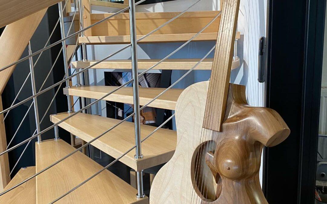 Création d'une œuvre originale en bois par Gilles Somme